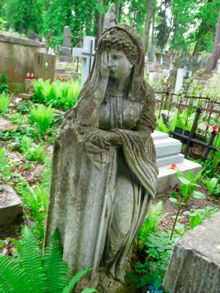 Пам'ятник на могилі Катерини Ґразель (поле №2 на Личаківському цвинтарі)
