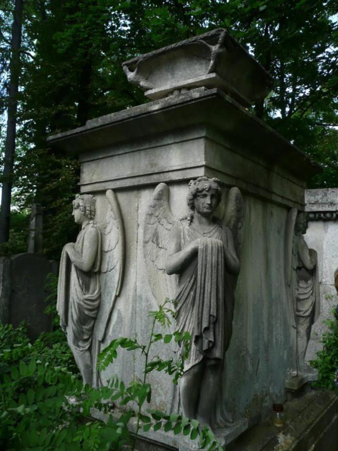 Пам'ятник на могилі Йоганна Гауснера-старшого (Личаківський цвинтар)