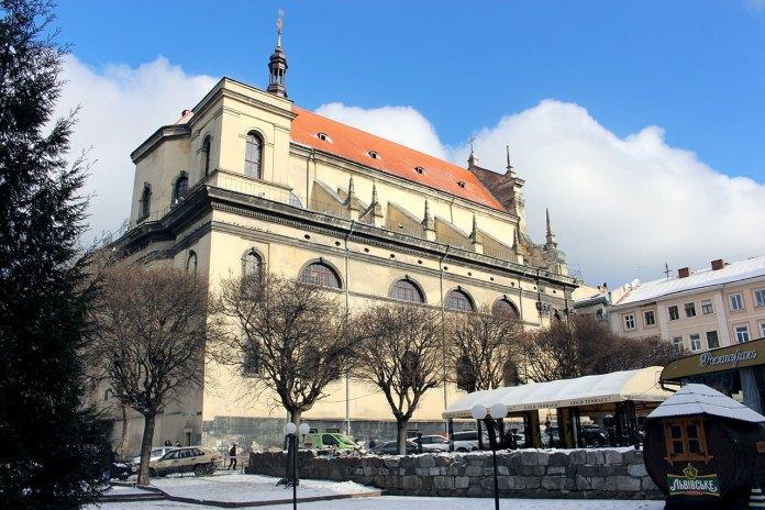 Гарнізонний храм святих апостолів Петра та Павла у Львові