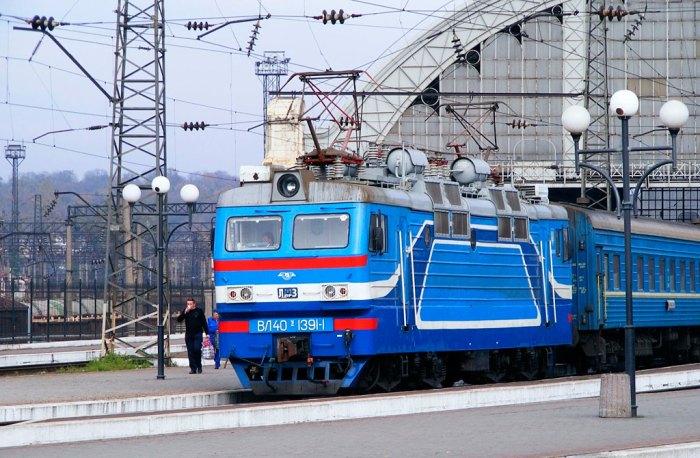 Електровоз ВЛ40у на станції Львів, наші дні