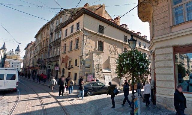 Будинок у Львові  на вулиці Сербській, 1, де на першому поверсі була друкарня Михайла Сльозки