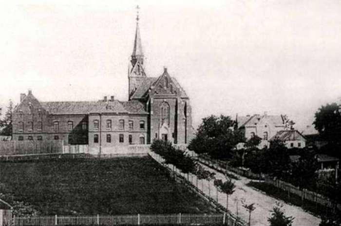 Вигляд на храм від вул. Іссаковича (нин.Горбачевського). Кінець XIX ст.