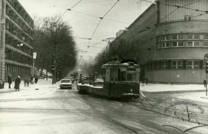 Вид на вулицю Дзержинського (нині-Вітовського) у 1989 році