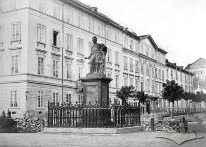 Монумент гетьмана на Валах. Фото кінця XIX ст.