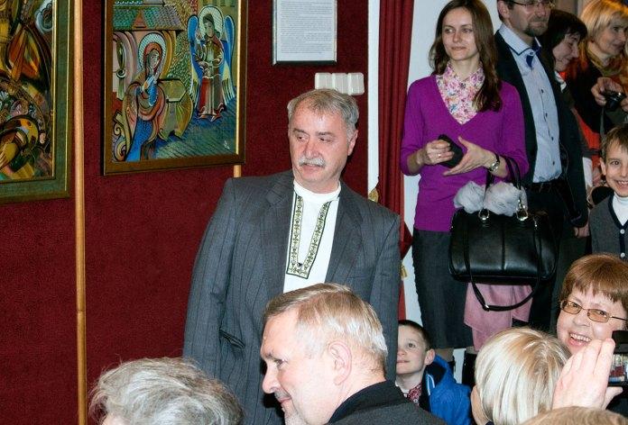 Модест Бартка (Олег Кіщак) на відкритті виставки в Державному меморіальному музеї Михайла Грушевського у Львові