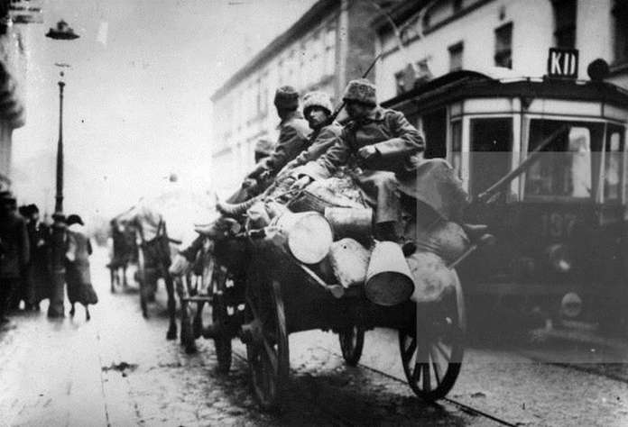 На вулицях Львова. Фото 1915 року