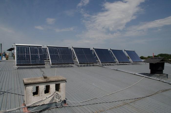 Вакуумні сонячні панелі.