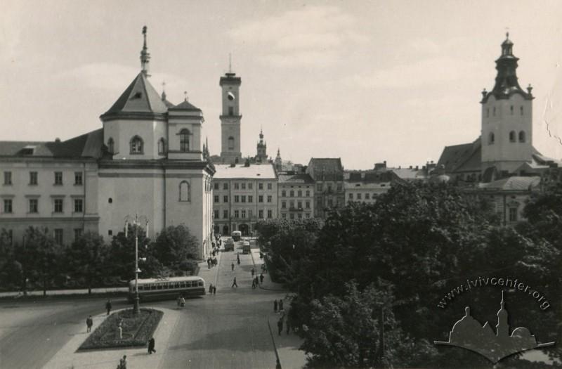 Тролейбус на вулиці Театральній, фото, 1962-1963 роки.