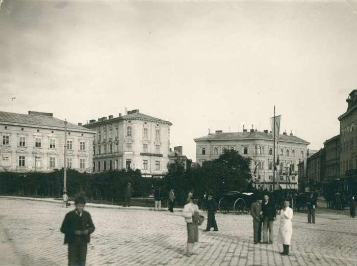 Марійська площа у 1894 році