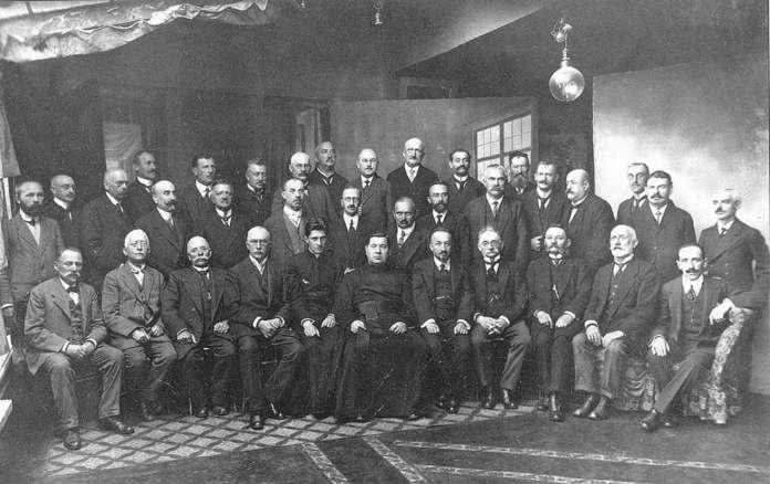 Військові заручники-львів'яни. Фото 1915 року