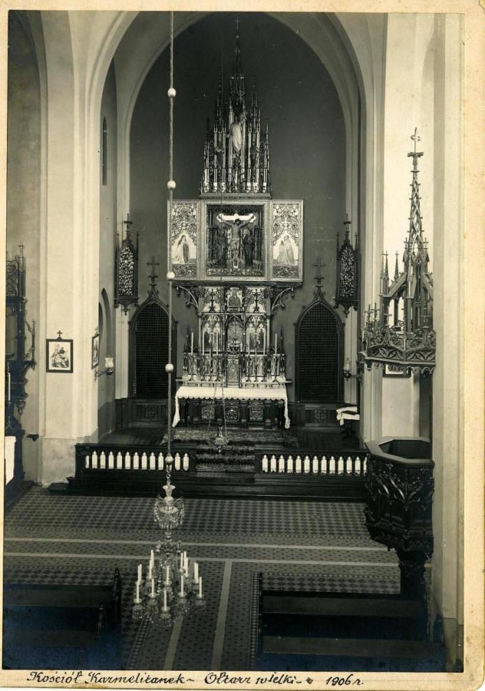 Багате оздоблення храму Св. Климентія Папи створене архітектором Ю.Захаревичем і скульптором А.Попелем