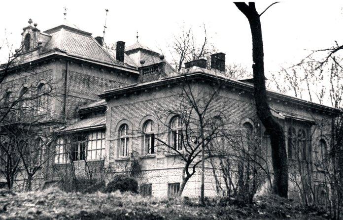 Будинок родини Грушевських. Львів, поч. 90-х рр. ХХ ст.
