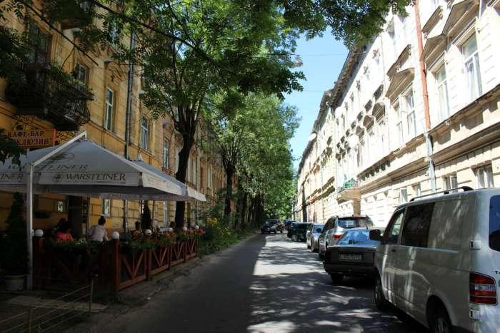 Вулиця Одеська, бічна Городоцької у Львові. Фото 2015 року