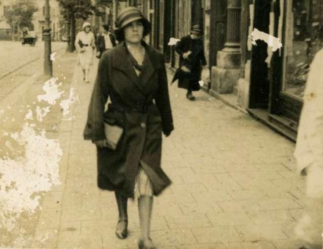 Прогулянка по вулиці Сапєги. Фото до 1939 року