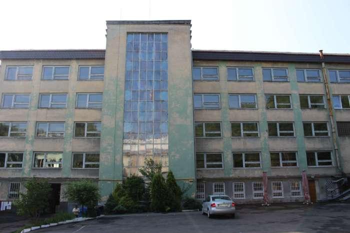 Корпус медичного коледжу зведений у 1970-х роках