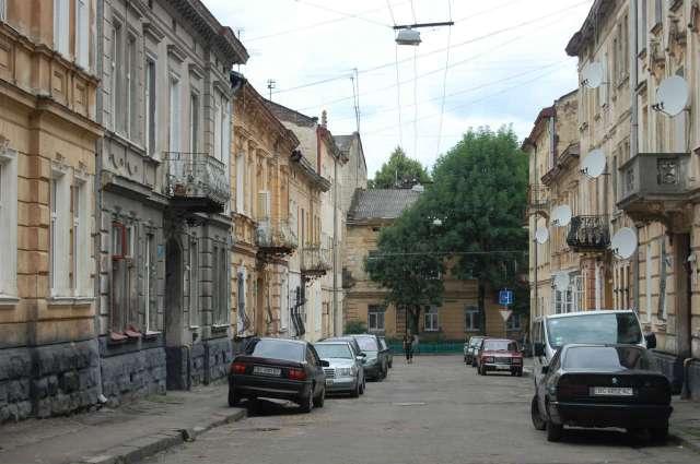 Вулиця Лобачевського, на якій мешкав Грабінський. Фото 2015 року
