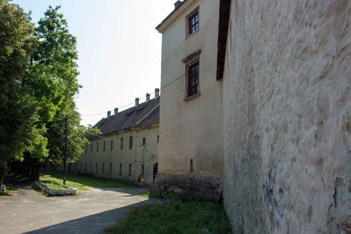 Фраґмент оборонного Жовківського замку