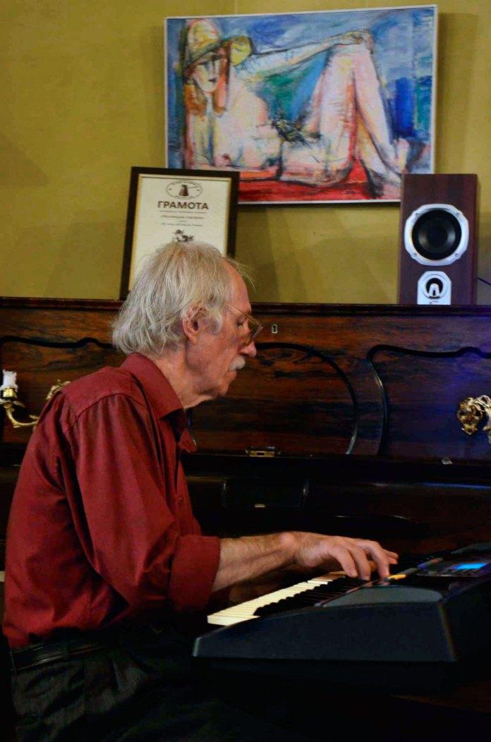 Легендарний львівський клавішник Аркадій Орєхов