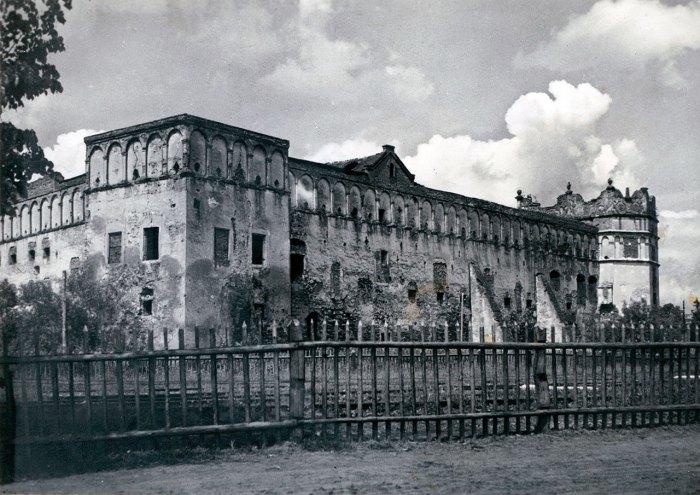 Замок в Старому Селі, фотографія 1939 року