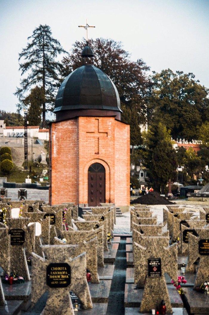 Каплиця Євгена Петрушевича на Личаківському кладовищі