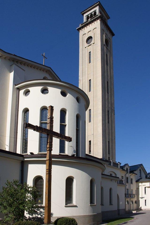 Дзвіниця церкви Покрову Пресвятої Богородиці (кол. костел Матері Божої Остробрамської)