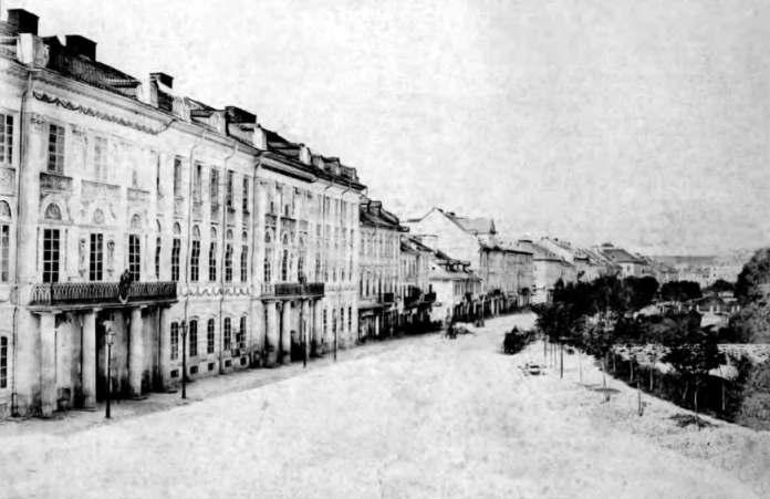 Львів, вулиця Карла Людвіга (пр. Свободи). Праворуч помітні містки через Полтву. Фото 1870-х років.