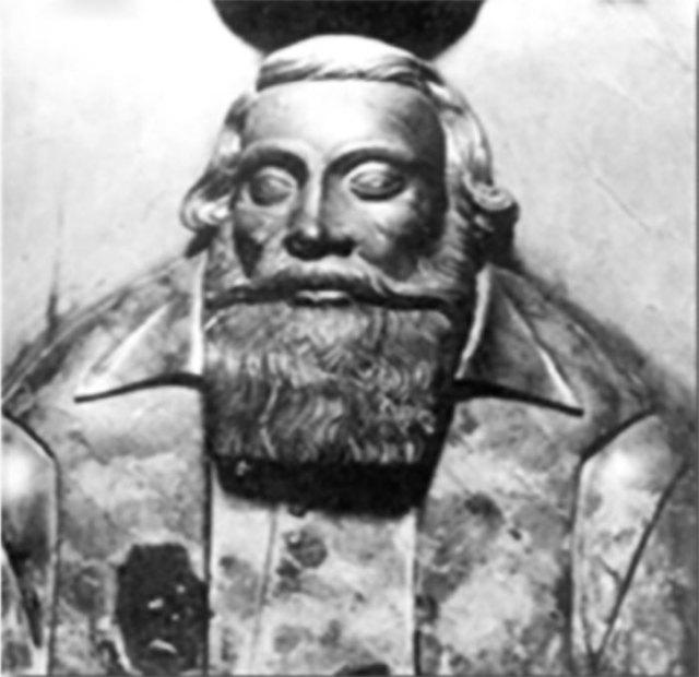 Скульптурне зображення Мартина Кампіані. Знаходиться у каплиці Кампіанів.