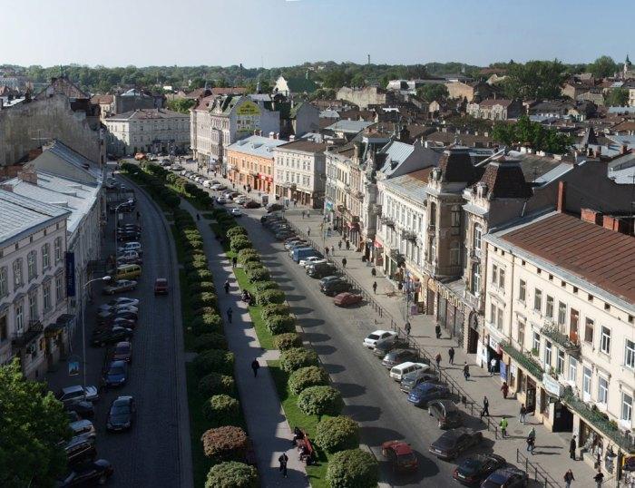 Сучасний вигляд алеї на проспекті Шевченка. Фото 2008 р.