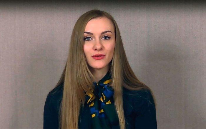 Завідувач лабораторії паперових носіїв Державного меморіального музею Михайла Грушевського у Львові Анастасія Сиглова