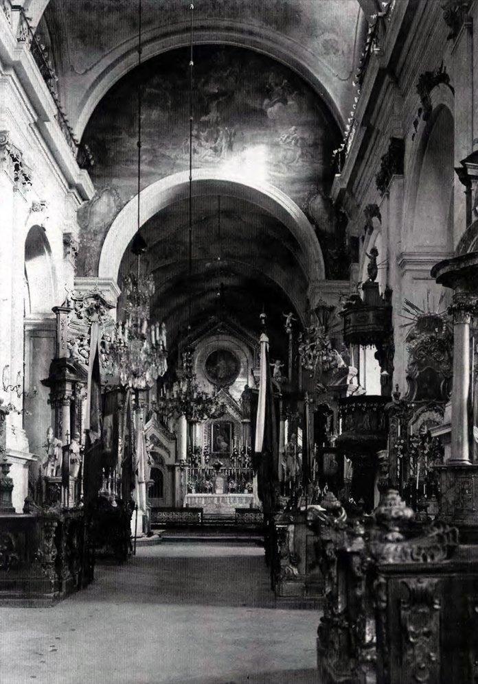 Інтер'єр костелу Марії Магдалини. Фото: 1906 р.