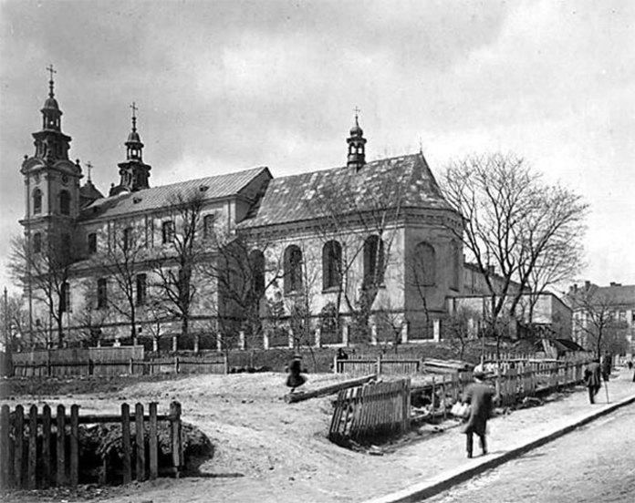 Костел Св. Марії Магдалини з боку вул. Сикстуської (тепер вул. Дорошенка). Фото 1930-1939 рр.