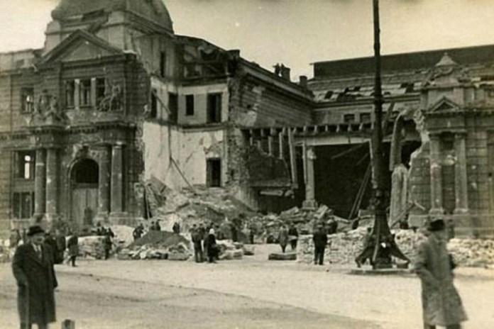 Зруйнований Головний залізничний вокзал. Фото 1939 року