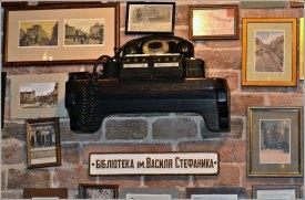 Старовинні телефонні апарати в ресторації «Пошта на Друкарській» вулиця Друкарська, 3. Фото Тетяна Жернова 2016р