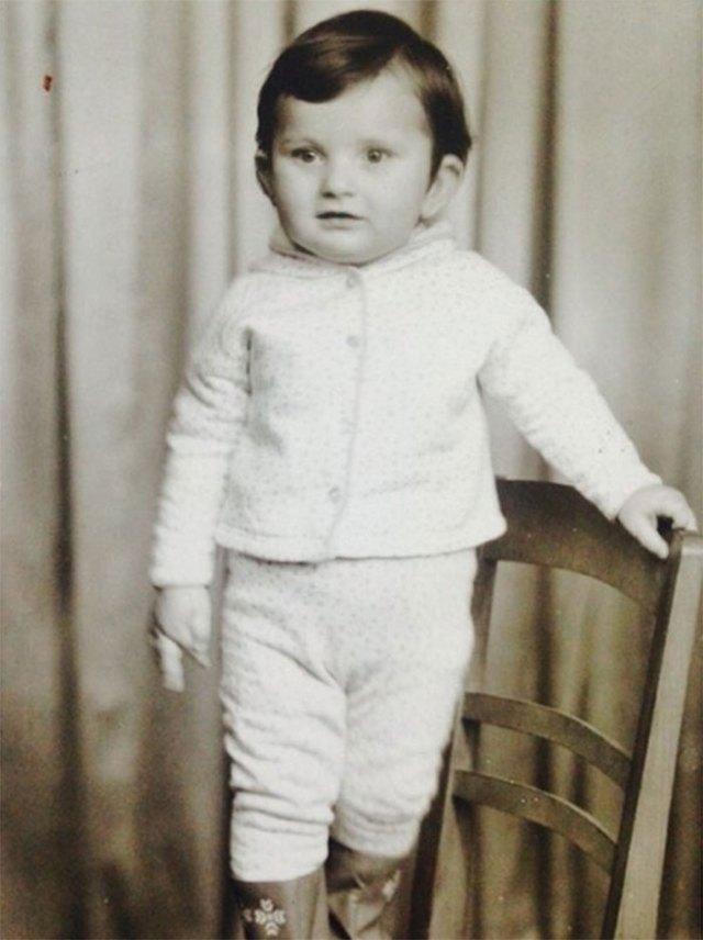 Андрієві на цій фотографії 2,5 роки. Зроблена в фотостудії в Новому Роздолі