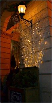 Ліхтарі на Львівській ратуші. Фото Тетяна Жернова 2016 рік