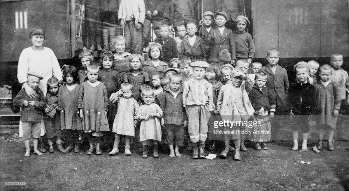 Притулки були облаштовані і для єврейських сиріт у місті Львові. Фото 1922 р.