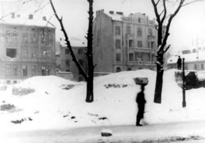 Руїни на місці синагоги реформістів на пл.Старий Ринок. Фото перших повоєнних років