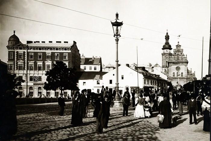 На місці колишнього базару закладено парк за проектом Арнольда Рерінга. Фото 1894 р.