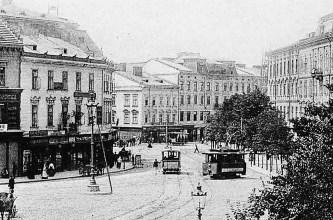 Весна 1894 р. – на площі зустрілися два трамваї – кінний та електричний