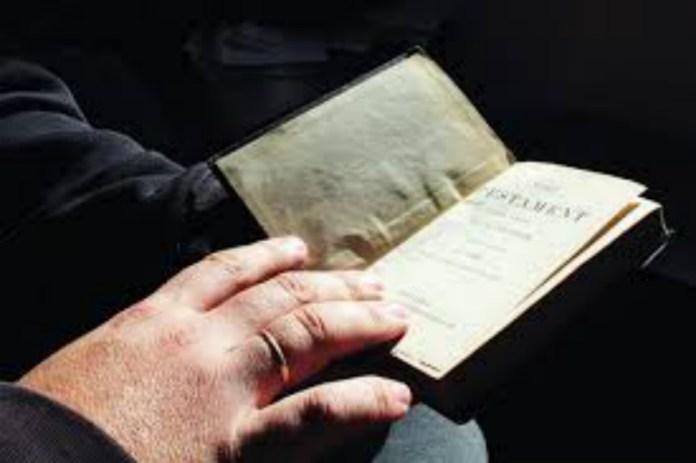Біблія. Фото з kresy24.pl