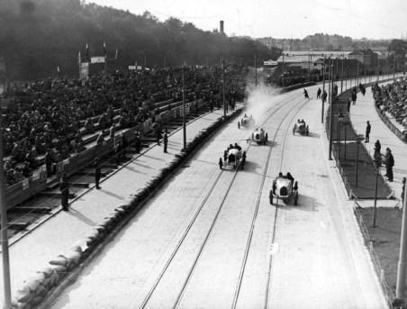 Трибуни по вул. Вітовського під час Гран-прі Львова. Фото 1930- рр.