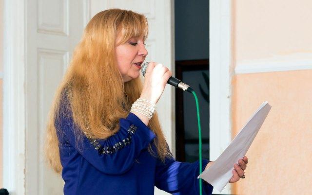 Поет і композитор Анна Кривута