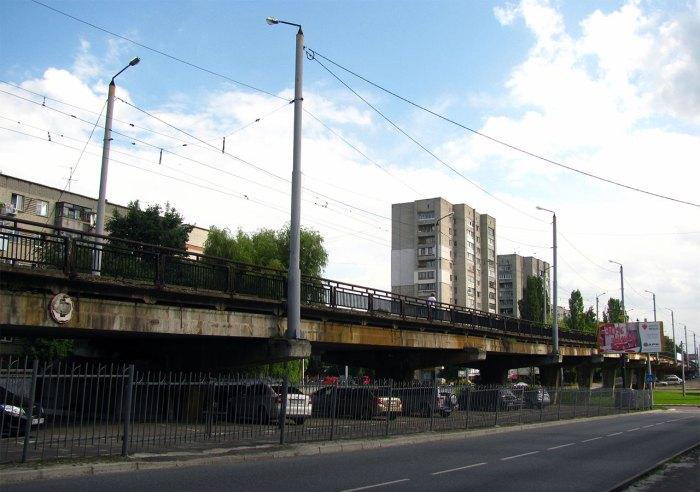 Трамвайна лінія на перехресті вул. кн. Ольги та Володимира Великого, фото 2013 року (фото взяте з :https://ru.wikipedia.org/)