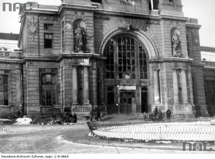Так виглядав вокзал у 1918 році, після польсько-українських зіткнень