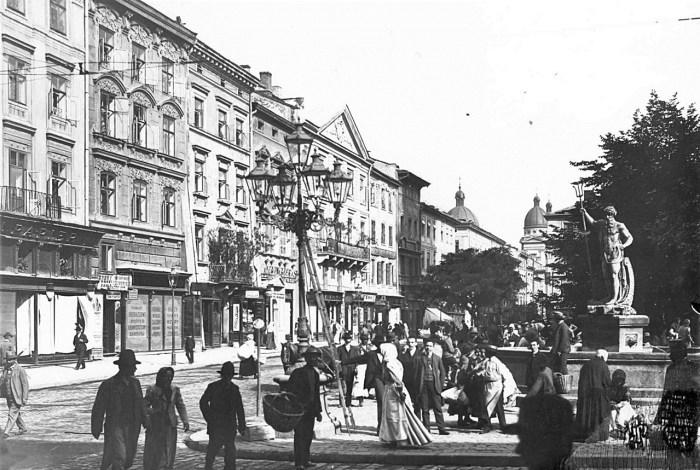 Торговиця на площі Ринок, початок ХХ ст.