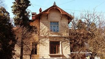 У цій будівлі знімали фільм «Пастка» режисера О. Бійми за романом Івана Франка «Перехресні стежки»