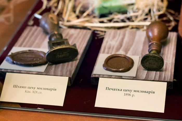 Експозиція виставки «Пам'ятки єврейського ремесла»