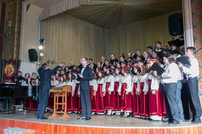 Спільний виступ усіх хорів
