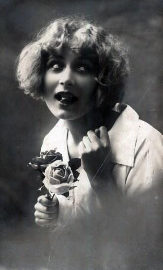 6. Портрет жінки з двома трояндами, 1900. Джерело: https://polona.pl