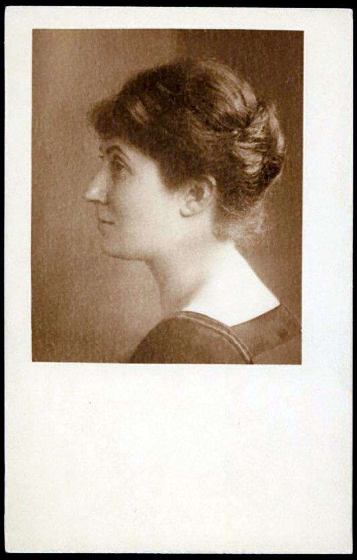Портрет Луції Кіпової роботи Генрика Міколяша. Фото 1920 року